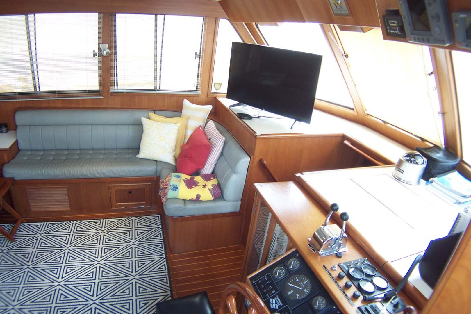 Island Gypsy-Aft Cabin Motoryacht 1997-PAINT BY NUMBER Stuart-Florida-United States-Saloon to Port Forward-1081702 | Thumbnail