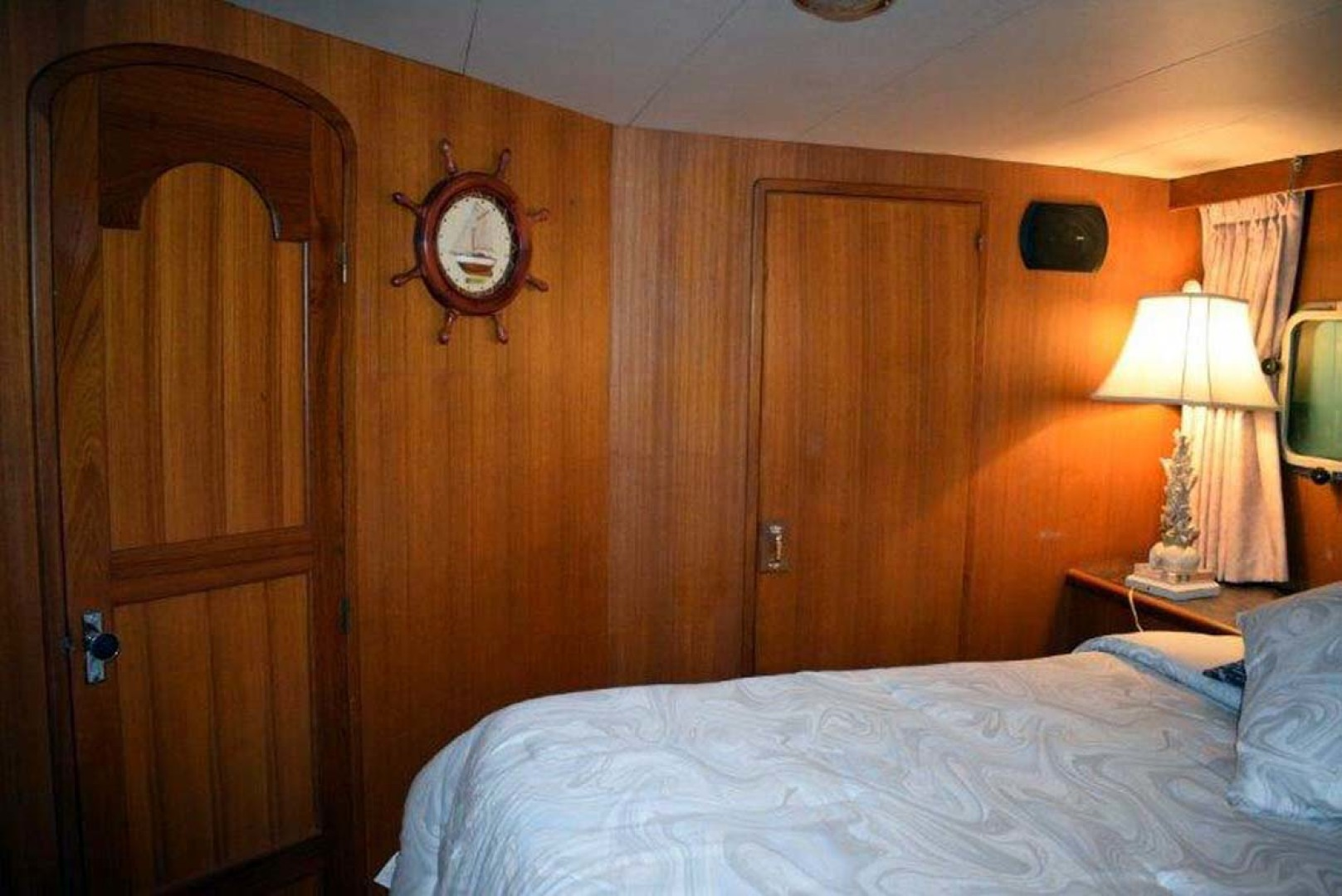 Mikelson-M57 1987-Miss Lori I Mission-British Columbia-Canada-Master Stateroom-1082842 | Thumbnail