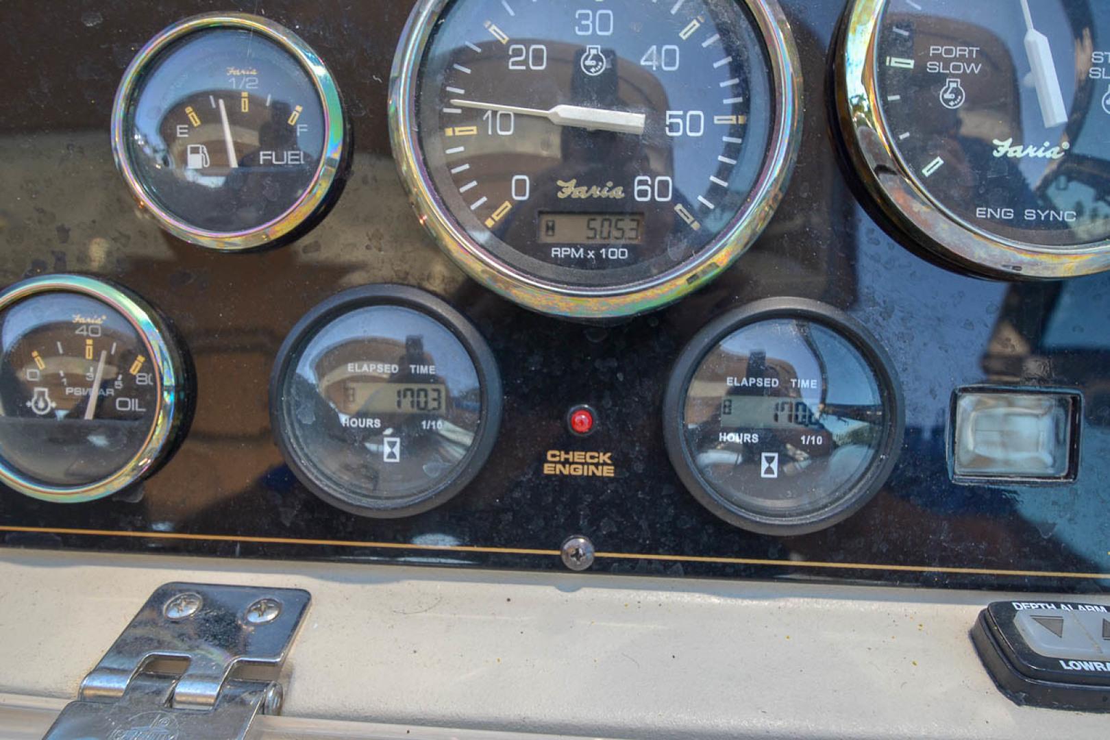43' 2000 Cruisers Yachts 3870 Express | Tampa Yacht Sales