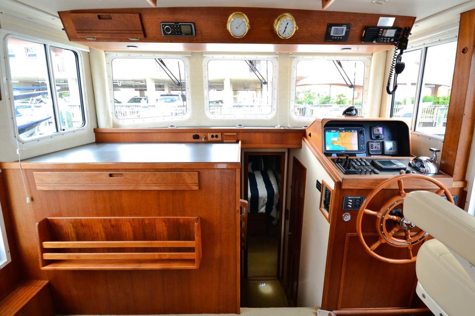 Nordic-Tugs-Flybridge-2005--Cocoa-Florida-United-States-Helm-Area-1085928