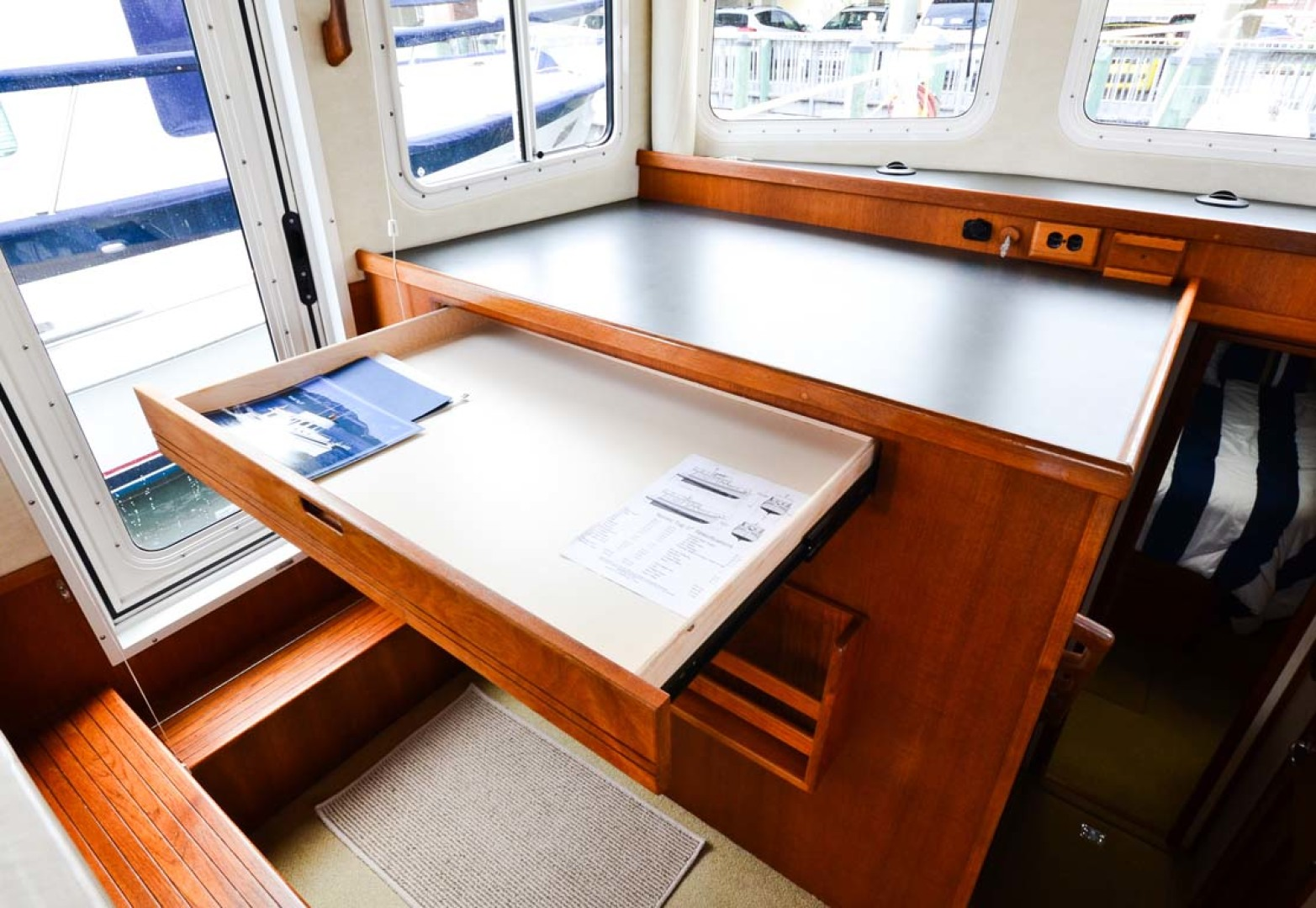 Nordic-Tugs-Flybridge-2005--Cocoa-Florida-United-States-Chart-Table-and-Storage-1085929