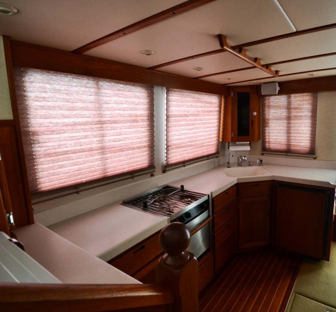 Nordic-Tugs-Flybridge-2005--Cocoa-Florida-United-States-Salon-Shades-Stbd-1085922