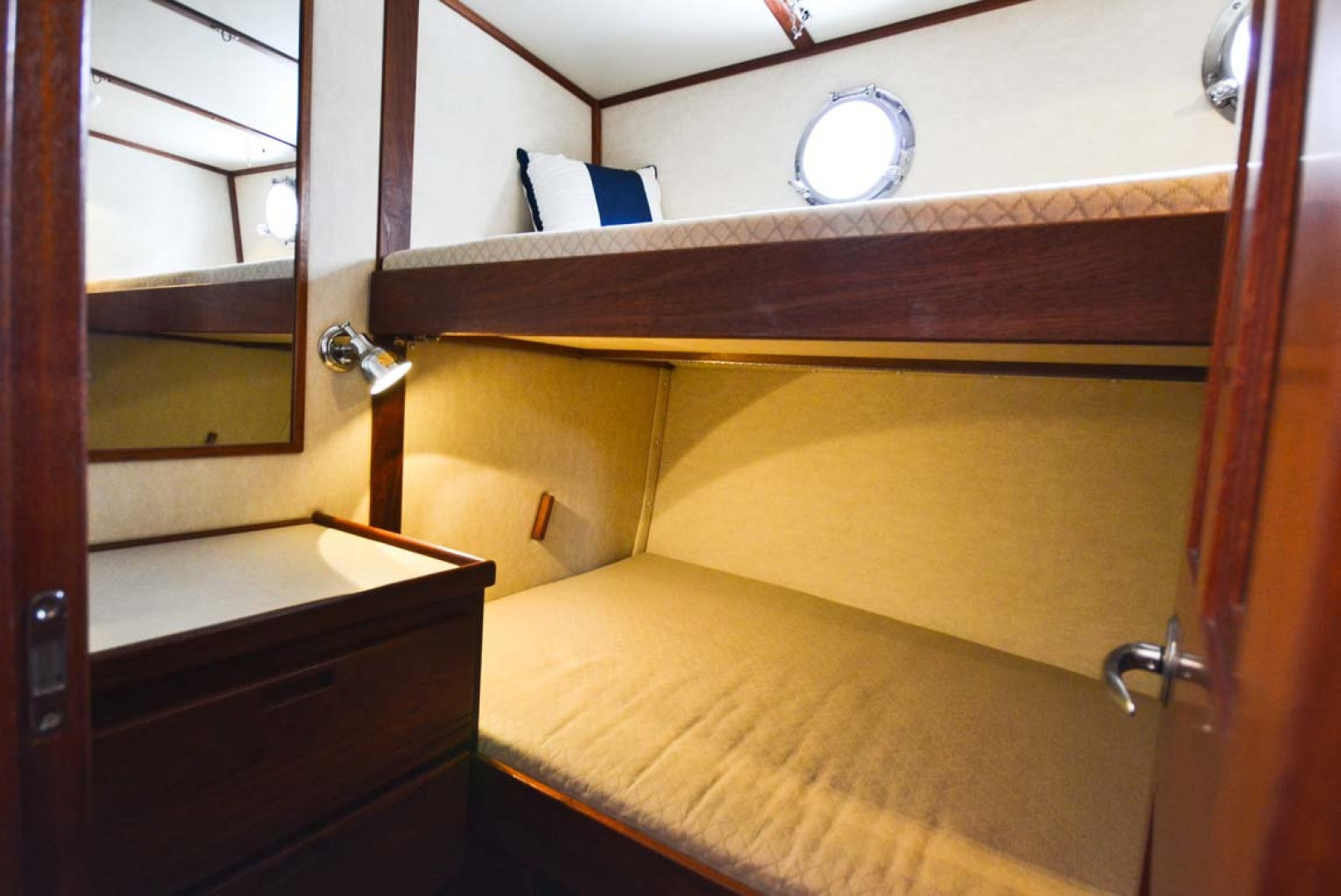 Nordic-Tugs-Flybridge-2005--Cocoa-Florida-United-States-Guest-Stateroom-Fwd-1085943