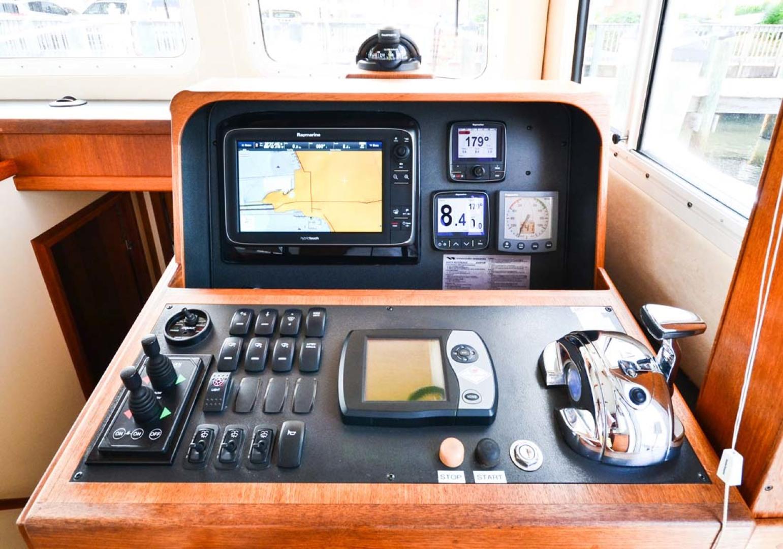 Nordic-Tugs-Flybridge-2005--Cocoa-Florida-United-States-Lower-Helm-Controls-1085934