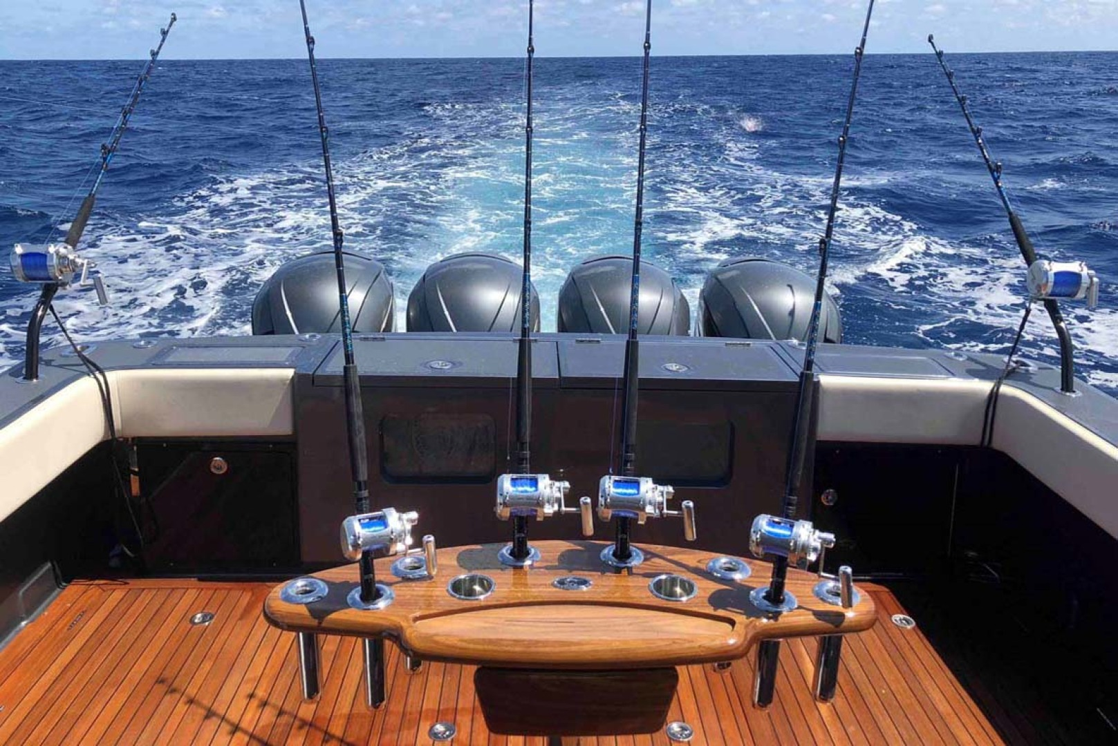 Gulfstream Yachts-Tournament Edition 2022 -Tampa-Florida-United States-Rod Holders-1134642 | Thumbnail
