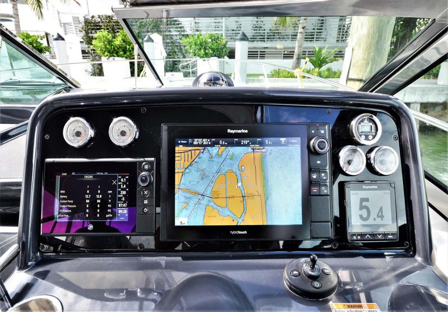 Formula-31-PC-2018-Harmony-II-Bay-Harbor-Islands-Florida-United-States-Helm-Electronics-1086546