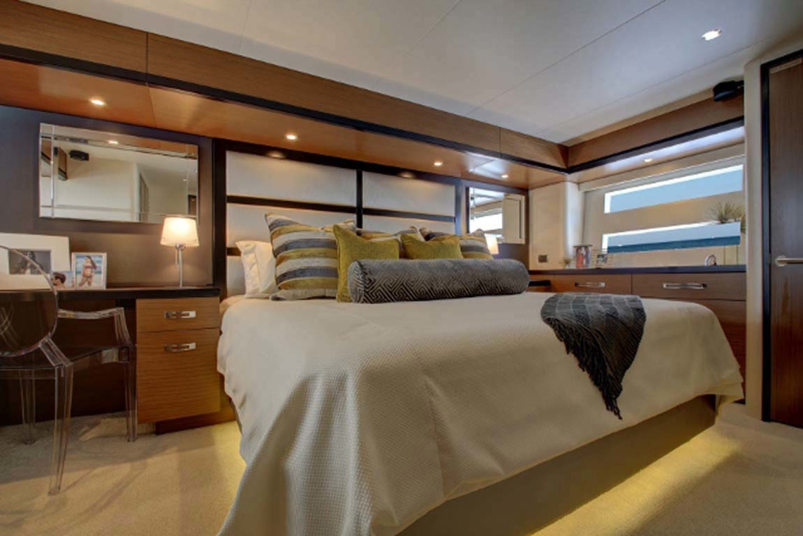 Hatteras-M60 2020 -Cape May-New Jersey-United States-Master Stateroom-1087941 | Thumbnail