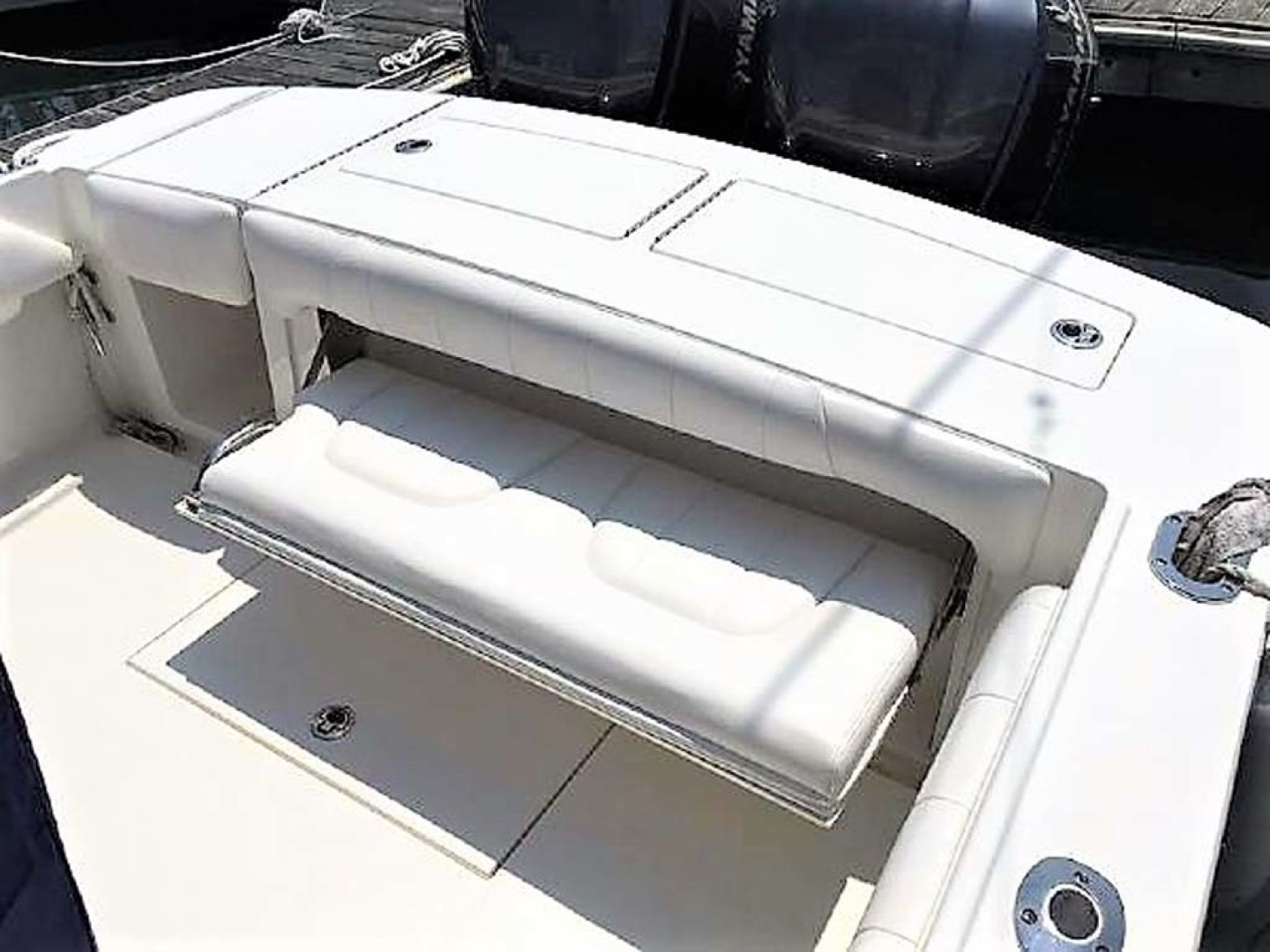 Regulator-28 FS Center Console 2014 -Mamaroneck-New York-United States-Fold-down Transom Seat-1089419 | Thumbnail