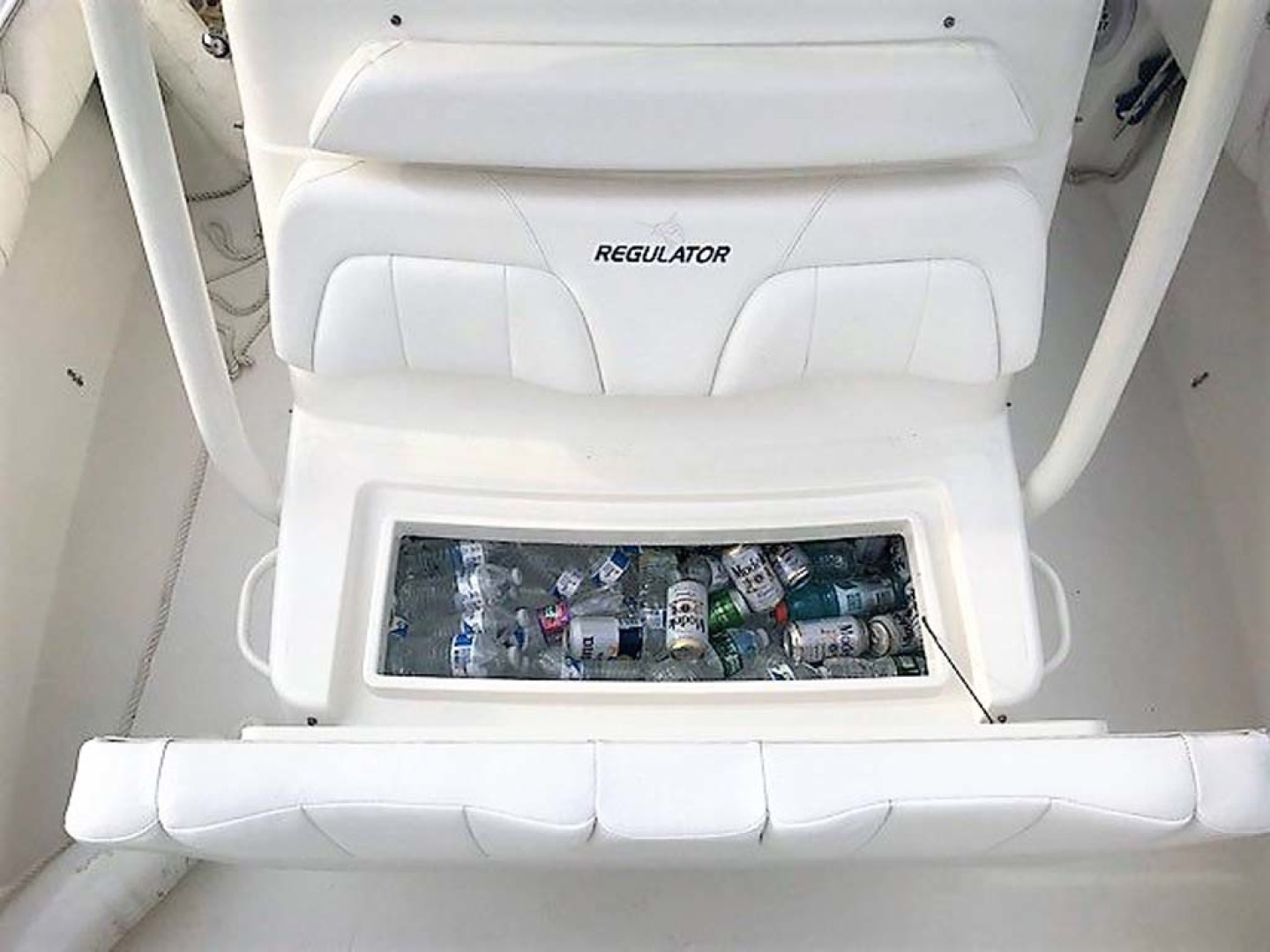 Regulator-28 FS Center Console 2014 -Mamaroneck-New York-United States-Console Cooler-1089409 | Thumbnail