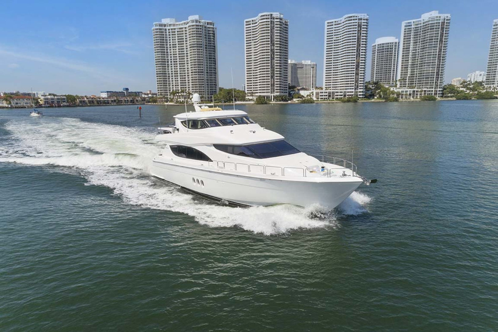 Hatteras-80 Motor Yacht 2007-Pneuma Ocean Reef-Florida-United States-Starboard Bow-1092615 | Thumbnail