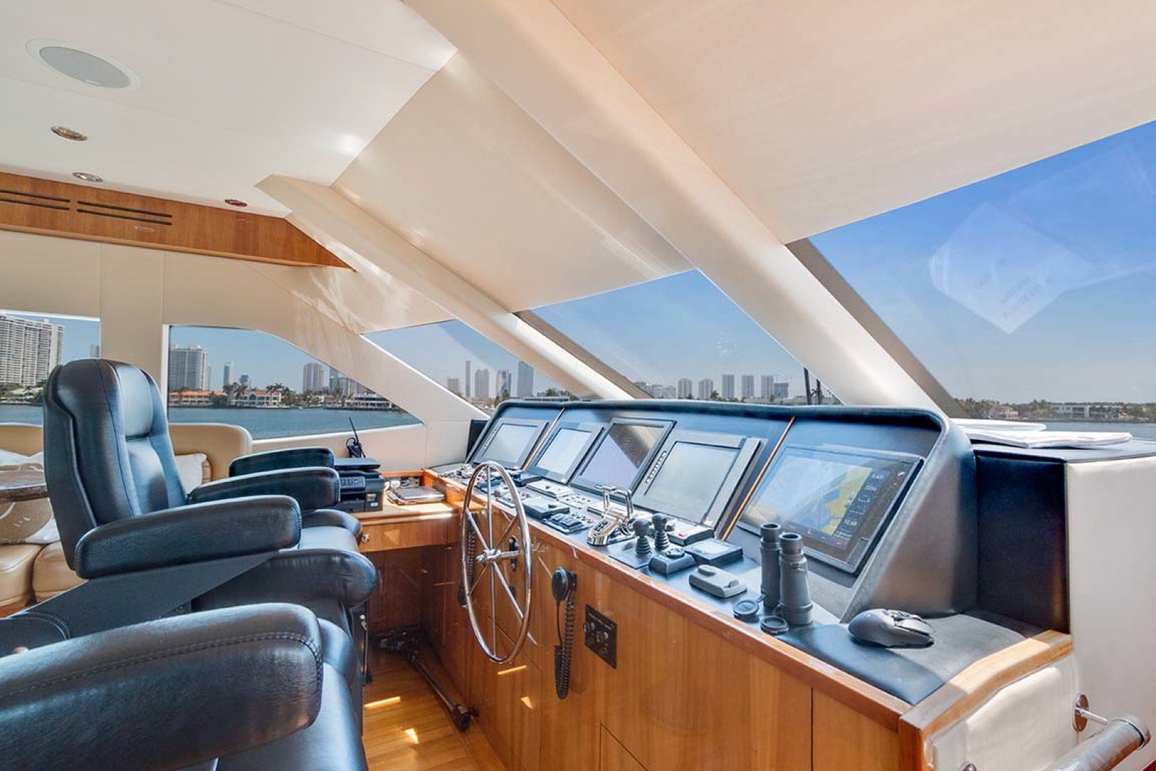 Hatteras-80 Motor Yacht 2007-Pneuma Ocean Reef-Florida-United States-Helm and Electronics-1092660 | Thumbnail