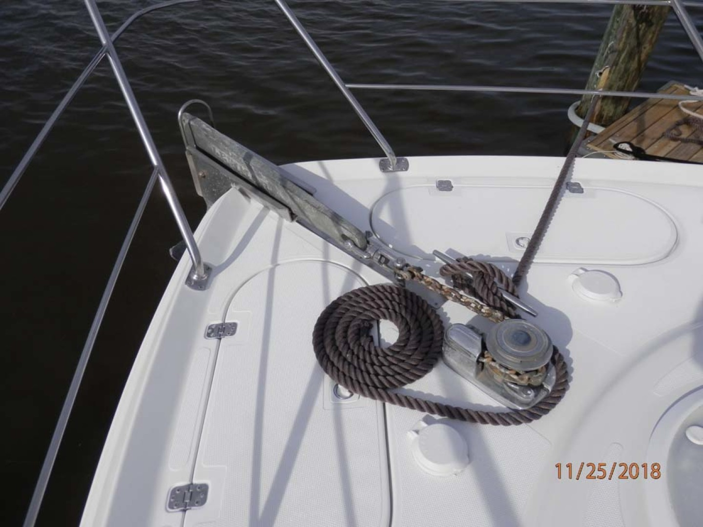 Carver-450 Voyager Pilothouse 1999-Carolina Cajun Beaufort-North Carolina-United States-Anchor Windlass with Foot Controls-1093053 | Thumbnail