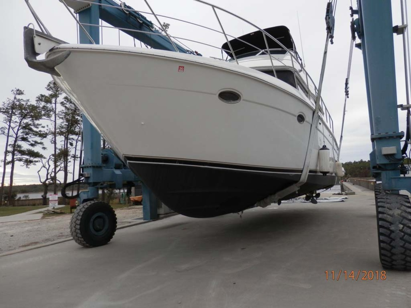 Carver-450 Voyager Pilothouse 1999-Carolina Cajun Beaufort-North Carolina-United States-Port View-1093088 | Thumbnail