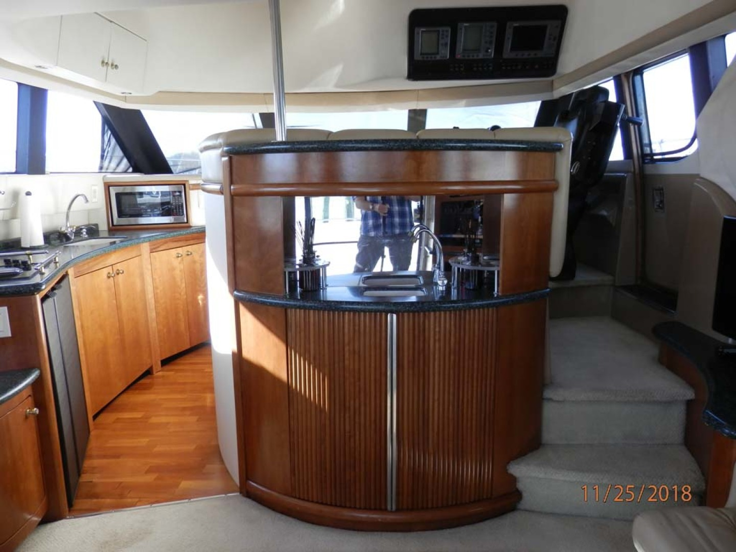 Carver-450 Voyager Pilothouse 1999-Carolina Cajun Beaufort-North Carolina-United States-Sink and Cabinet-1093016 | Thumbnail