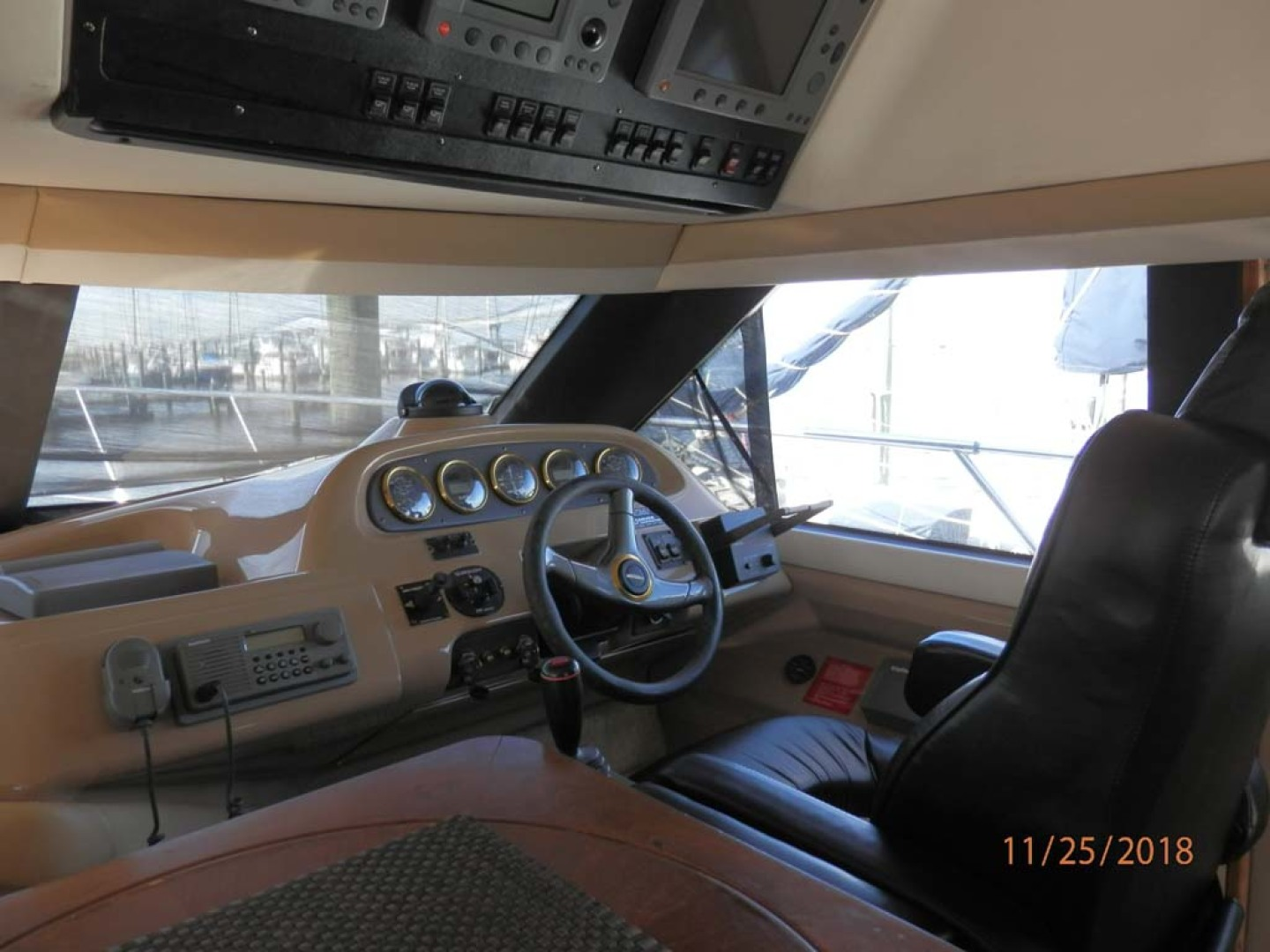 Carver-450 Voyager Pilothouse 1999-Carolina Cajun Beaufort-North Carolina-United States-Pilothouse Helm-1093001 | Thumbnail