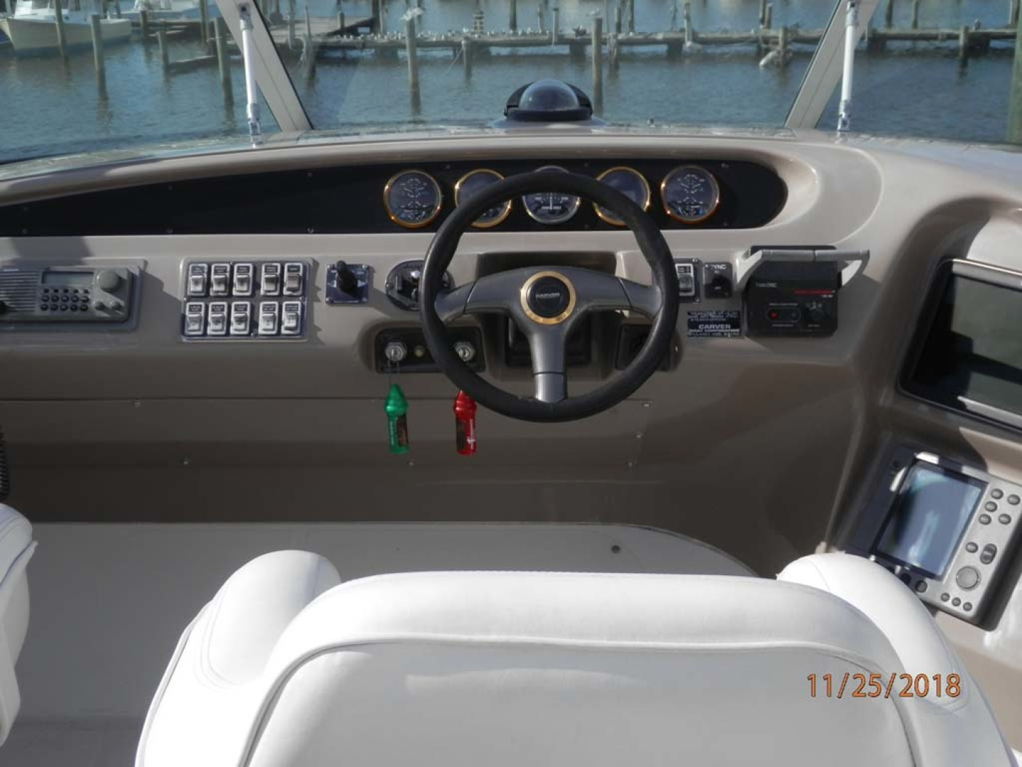 Carver-450 Voyager Pilothouse 1999-Carolina Cajun Beaufort-North Carolina-United States-Flybridge Helm-1093059 | Thumbnail