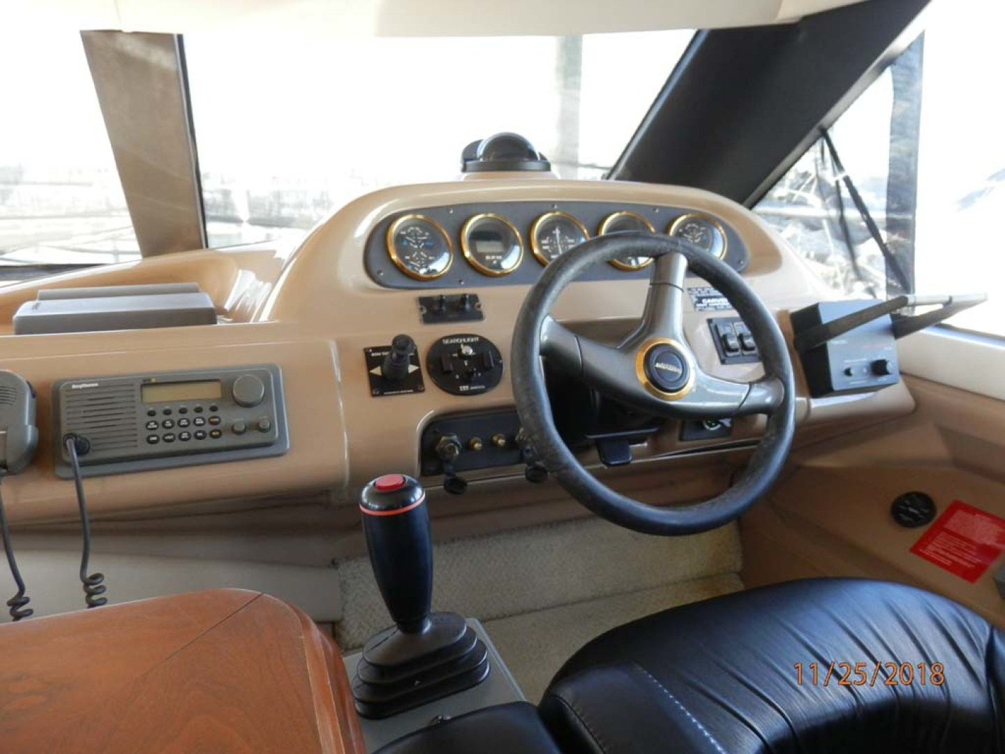 Carver-450 Voyager Pilothouse 1999-Carolina Cajun Beaufort-North Carolina-United States-Pilothouse Helm-1093002 | Thumbnail