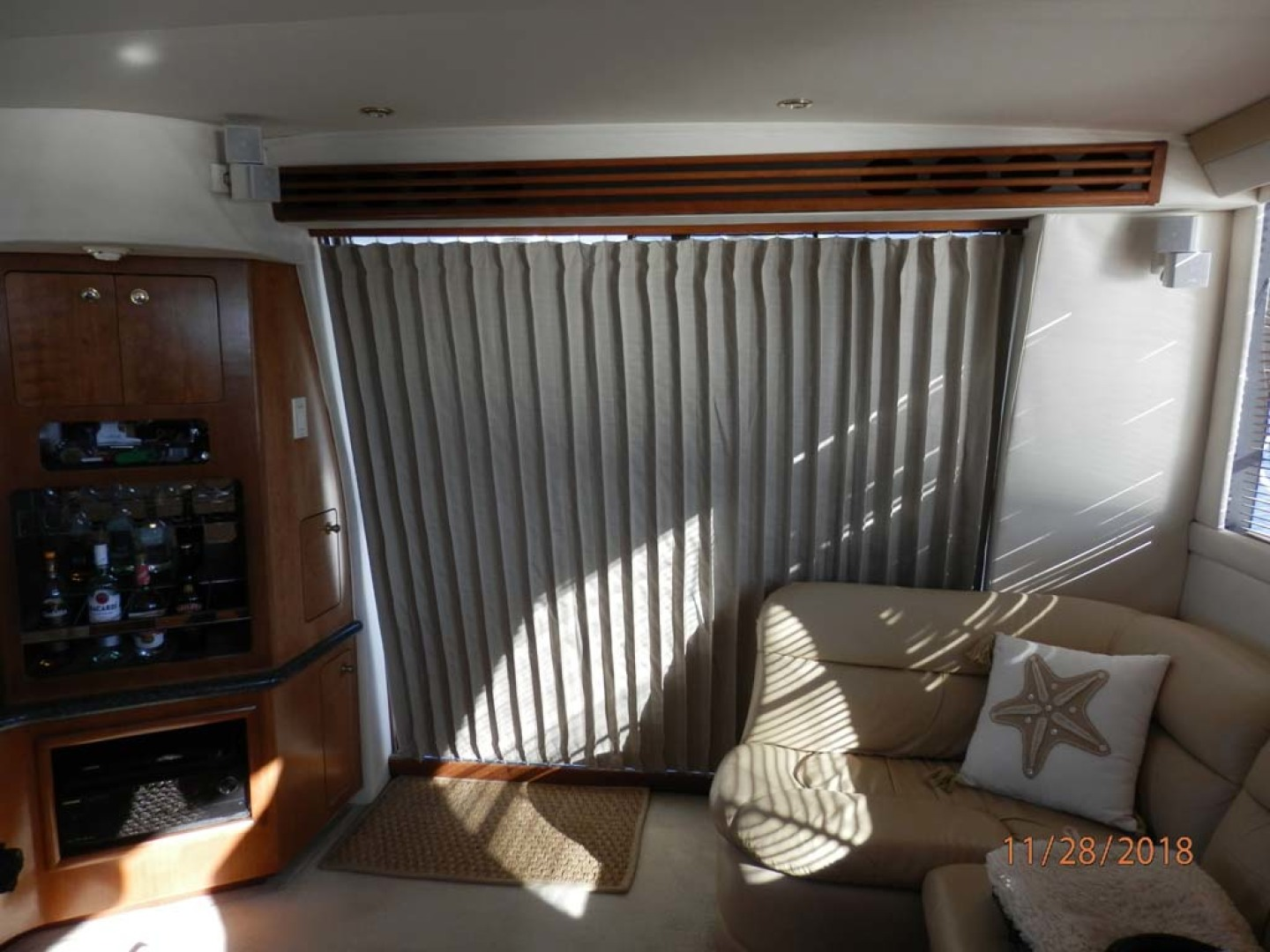 Carver-450 Voyager Pilothouse 1999-Carolina Cajun Beaufort-North Carolina-United States-New Curtain for Cabin Sliding Doors-1093022 | Thumbnail