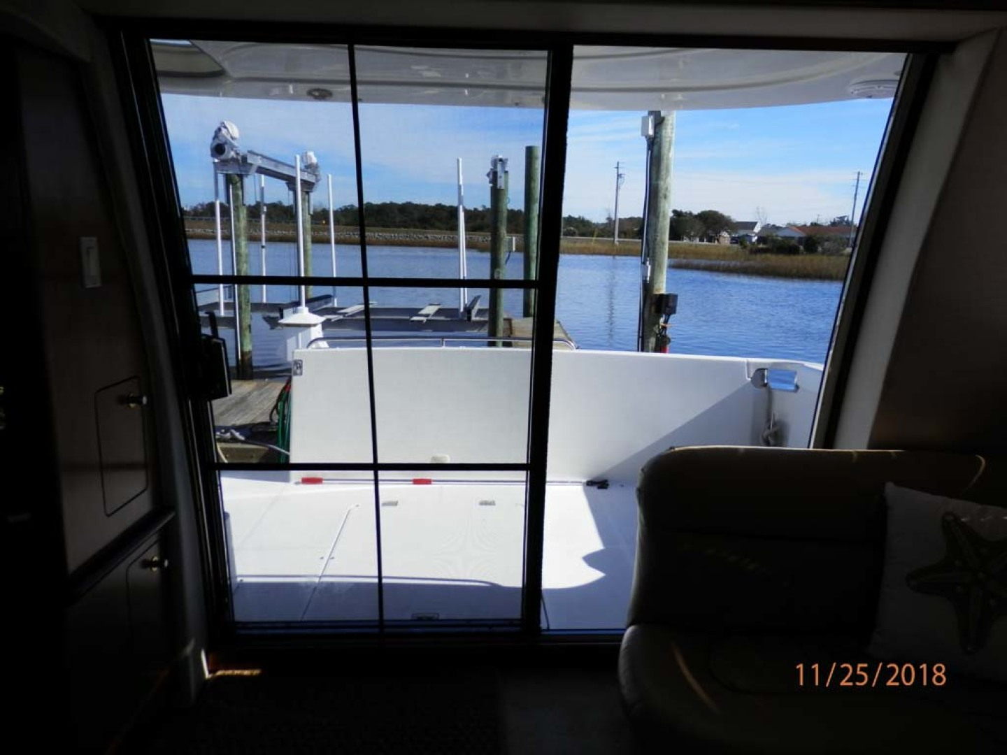Carver-450 Voyager Pilothouse 1999-Carolina Cajun Beaufort-North Carolina-United States-Stern View from Inside Cabin-1093023 | Thumbnail
