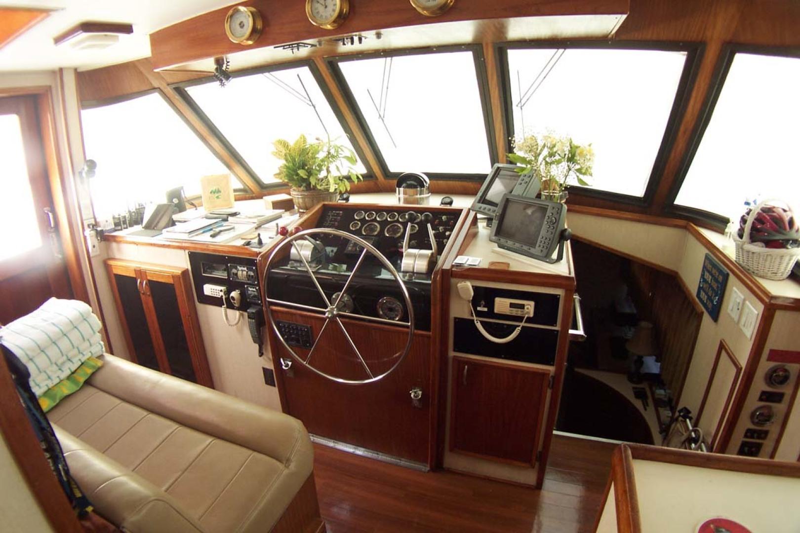 Hatteras-61 Motoryacht 1980-Piece A Cake Ft. Pierce-Florida-United States-Wheelhouse Fwd-1094503 | Thumbnail