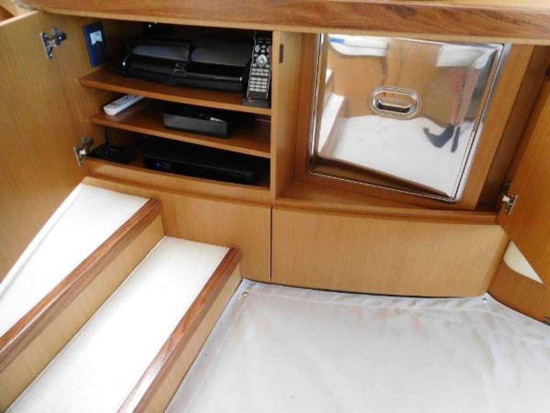 Ferretti Yachts-630 2009-BREAKAWAY Treasure Island-Florida-United States-Entertainment Center and Drink Cooler-1097529 | Thumbnail