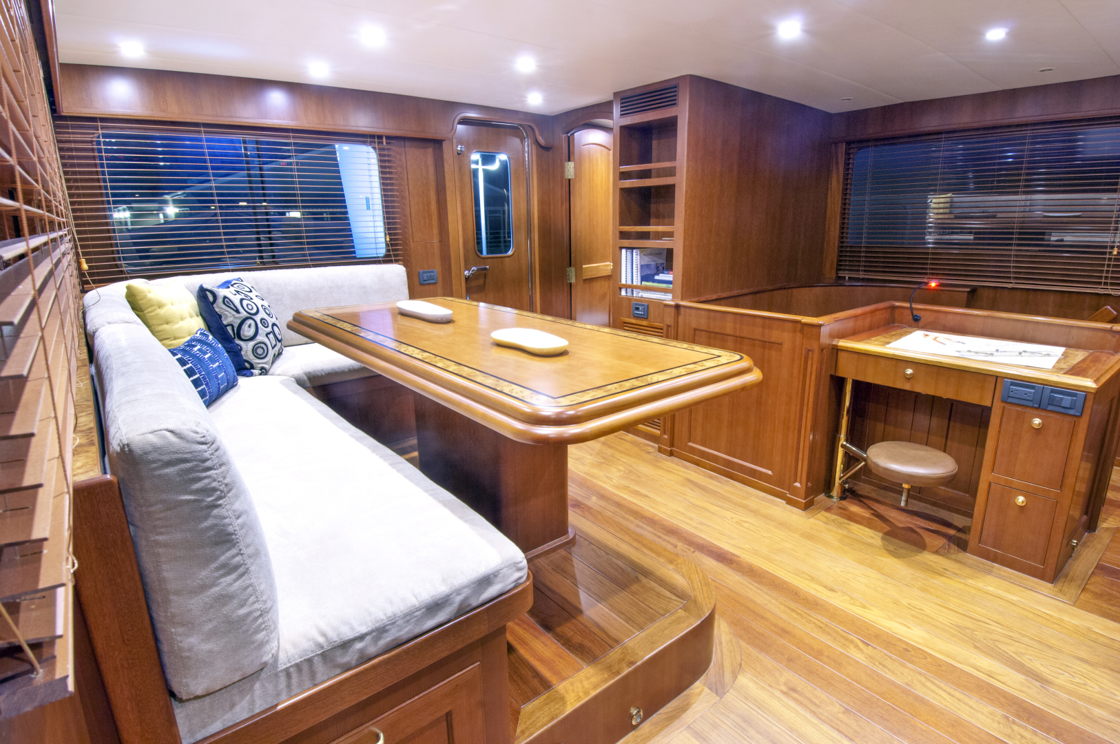 Offshore Yachts-Motoryacht 2020 -United States-1117787   Thumbnail
