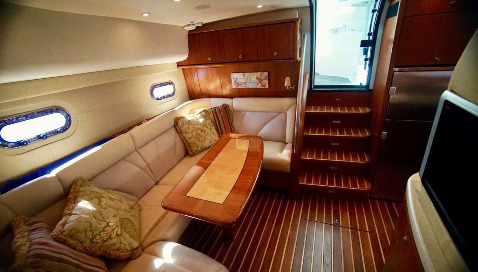 Tiara Yachts-4300 Sovran 2007-Lisa Anne Perdido Key-Florida-United States-Starboard Salon Aft-1103610 | Thumbnail