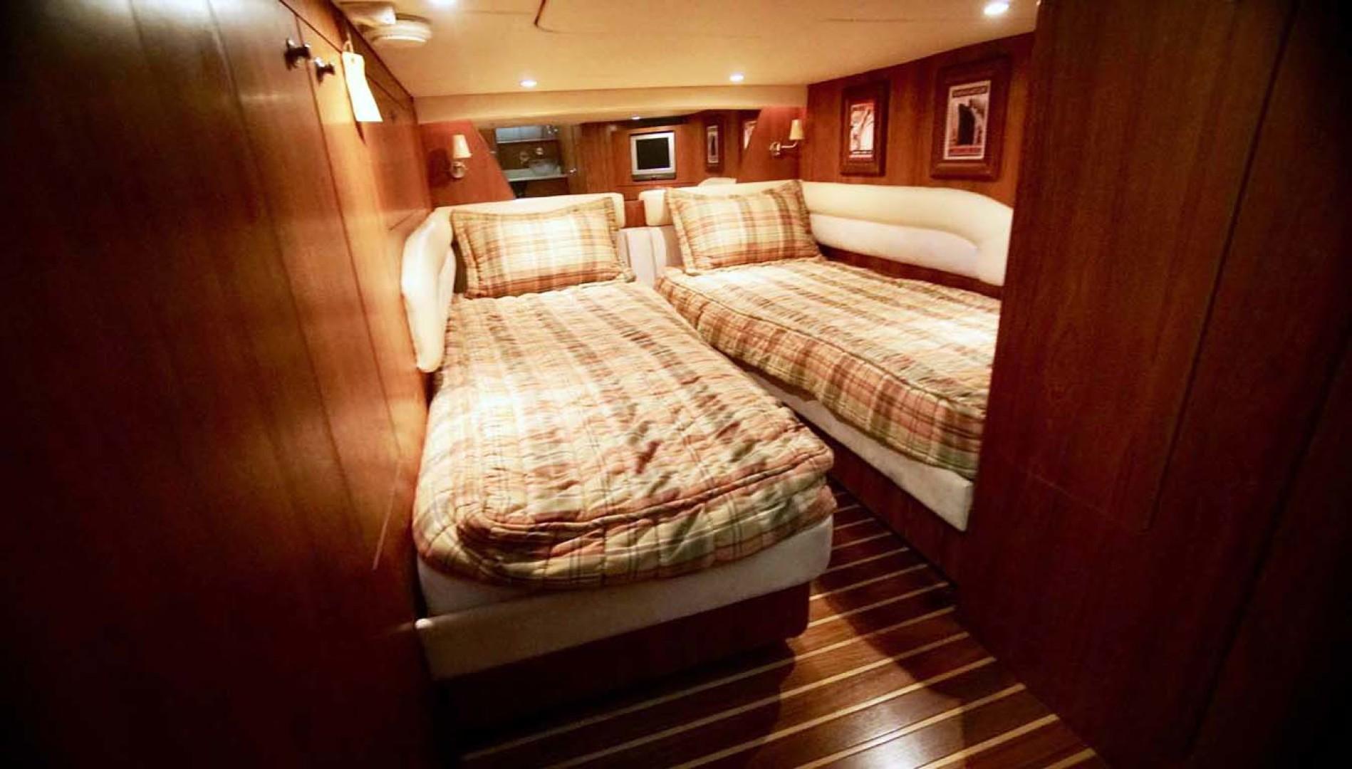 Tiara Yachts-4300 Sovran 2007-Lisa Anne Perdido Key-Florida-United States-Guest Stateroom Aft-1103613 | Thumbnail