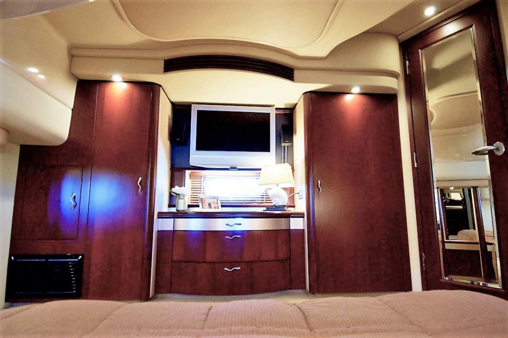 Sea Ray-58 Sedan Bridge 2006-Livin Large IV Jupiter-Florida-United States-Master Stateroom-1103685 | Thumbnail