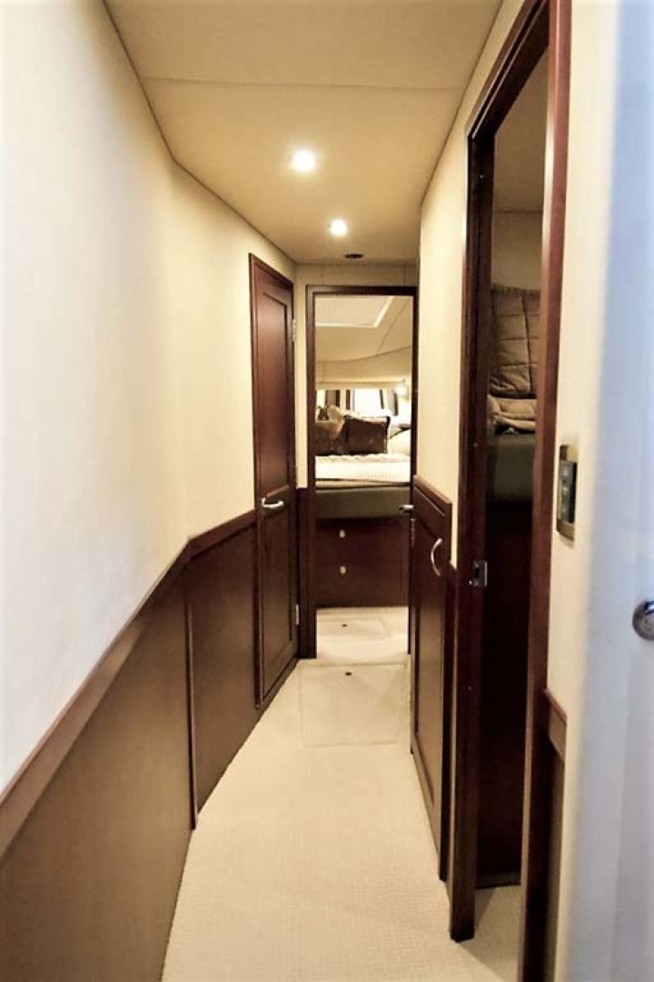 Sea Ray-58 Sedan Bridge 2006-Livin Large IV Jupiter-Florida-United States-Companionway-1103698 | Thumbnail