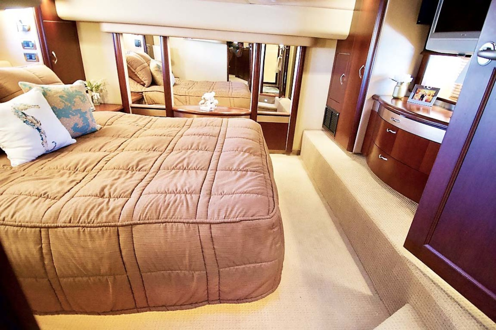 Sea Ray-58 Sedan Bridge 2006-Livin Large IV Jupiter-Florida-United States-Master Stateroom-1103684 | Thumbnail