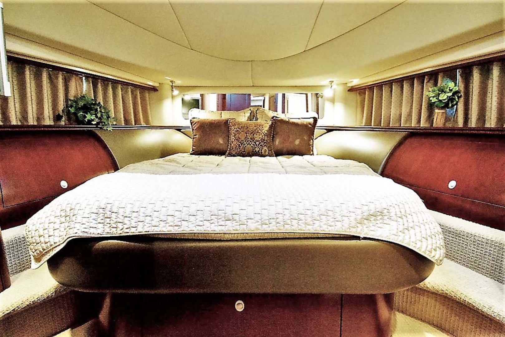 Sea Ray-58 Sedan Bridge 2006-Livin Large IV Jupiter-Florida-United States-VIP Stateroom-1103689 | Thumbnail