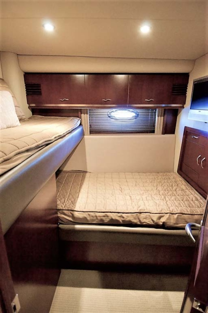 Sea Ray-58 Sedan Bridge 2006-Livin Large IV Jupiter-Florida-United States-Guest Stateroom-1103692 | Thumbnail