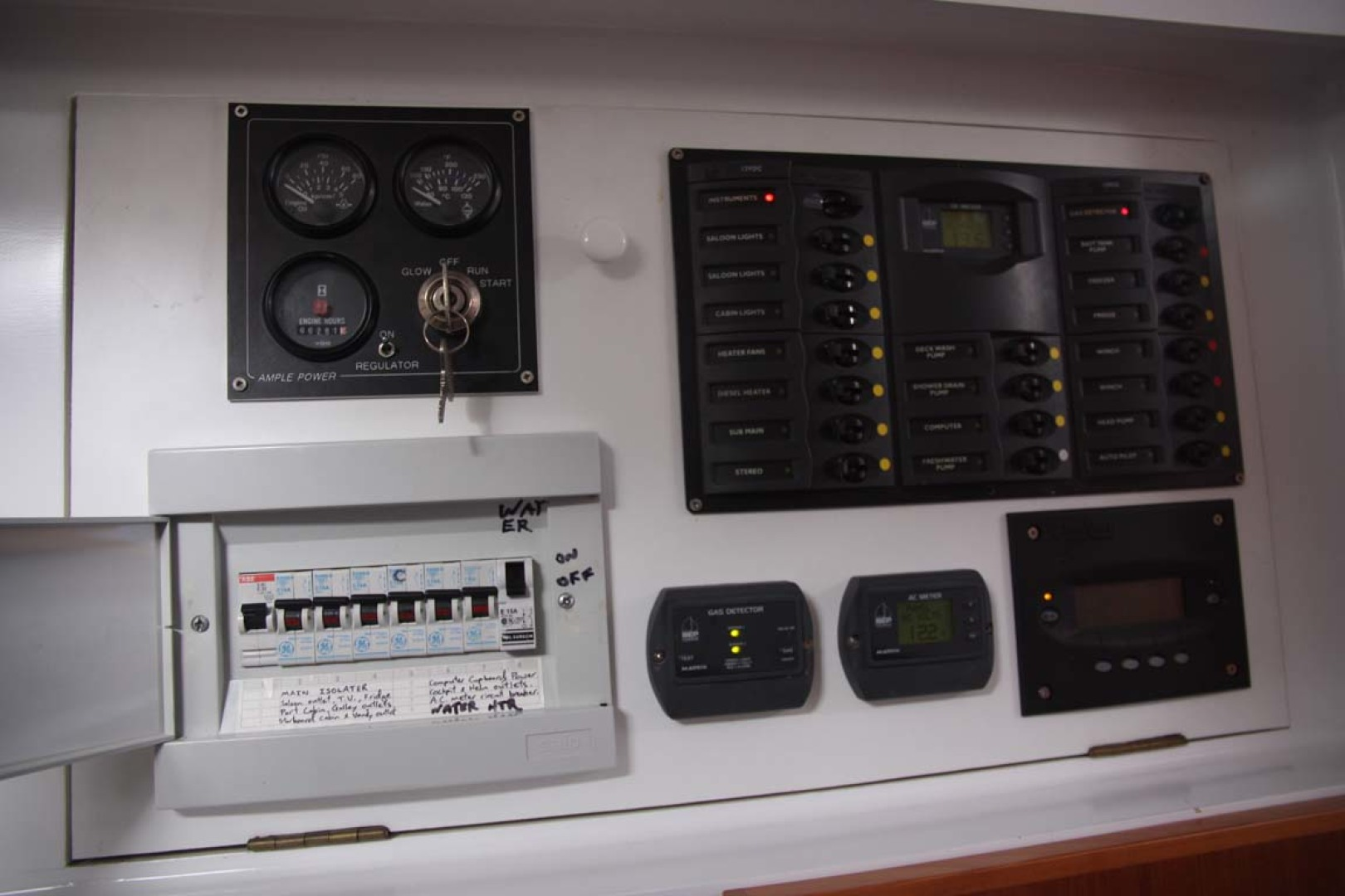 Custom-TLD New Zealand Power Cat 41 2004-Kittiwake Sequim-Washington-United States-Electrical Panel Generator controls-1106014 | Thumbnail