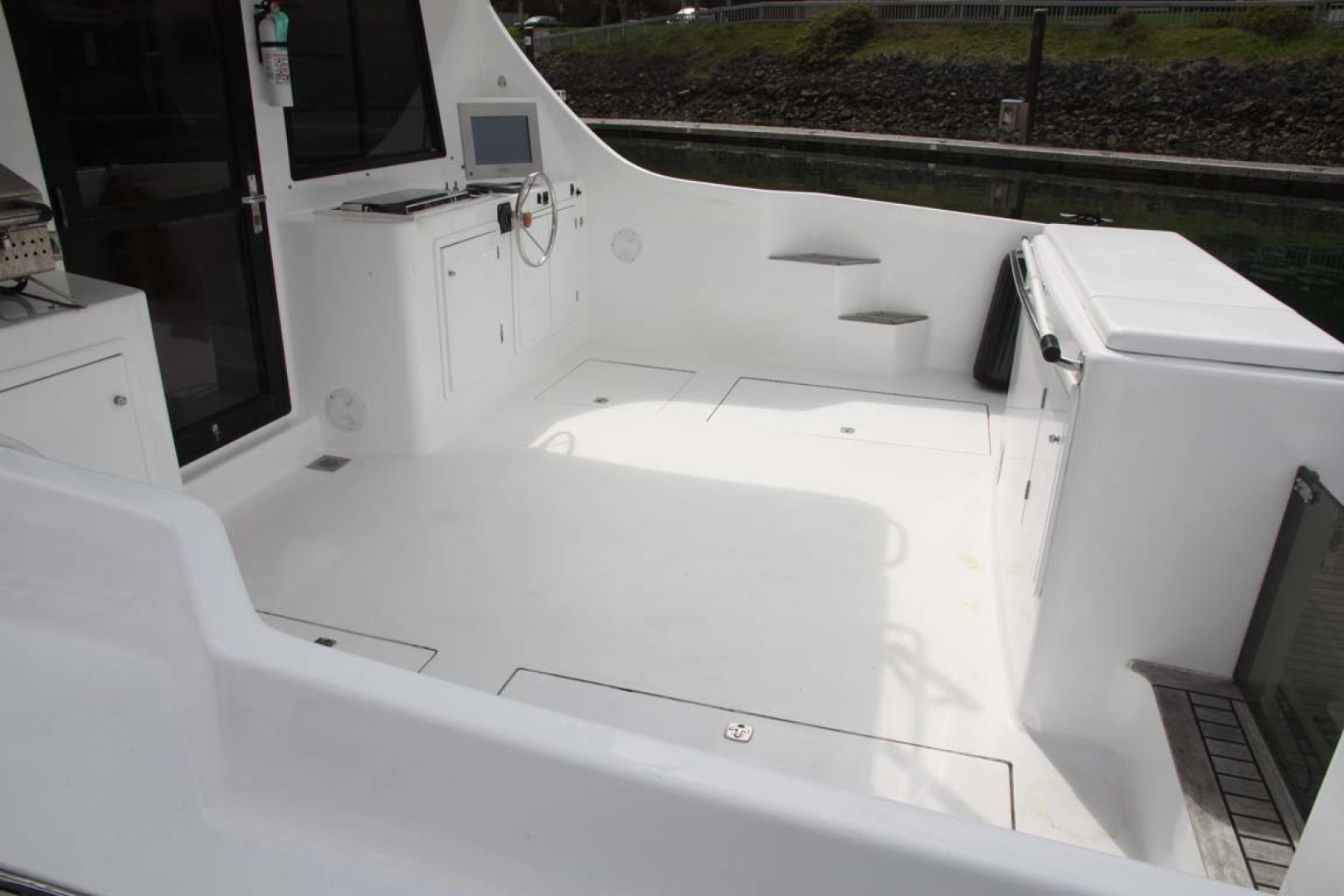 Custom-TLD New Zealand Power Cat 41 2004-Kittiwake Sequim-Washington-United States-Cockpit-1106000 | Thumbnail