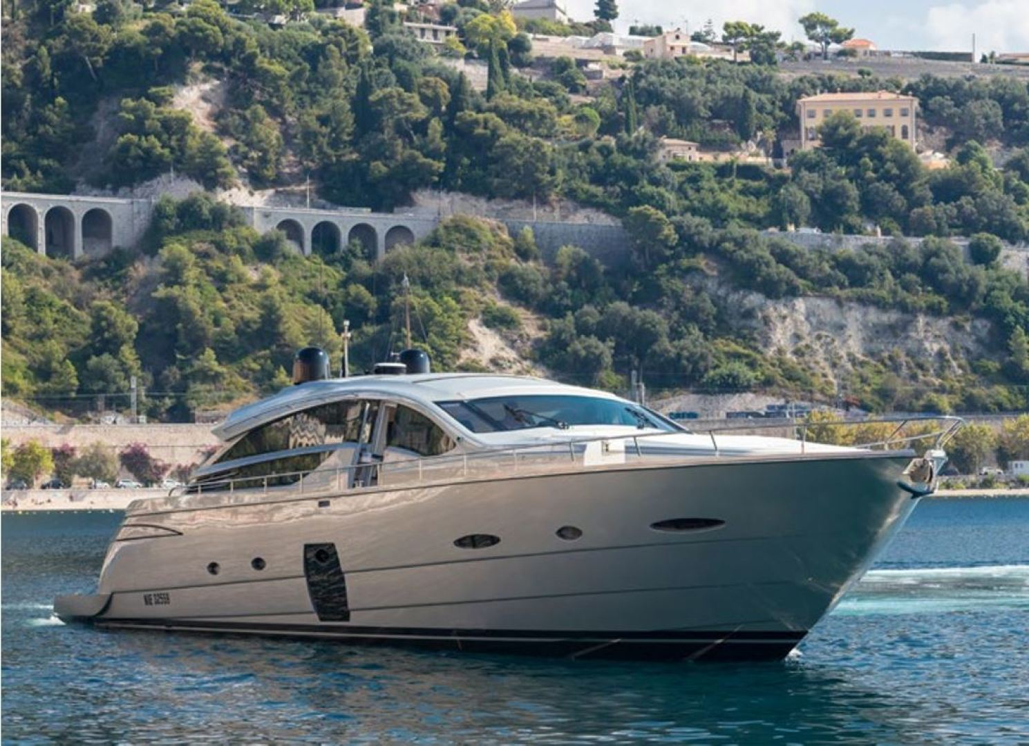 Picture Of: 80' Pershing 80 2010 Yacht For Sale   1 of 29