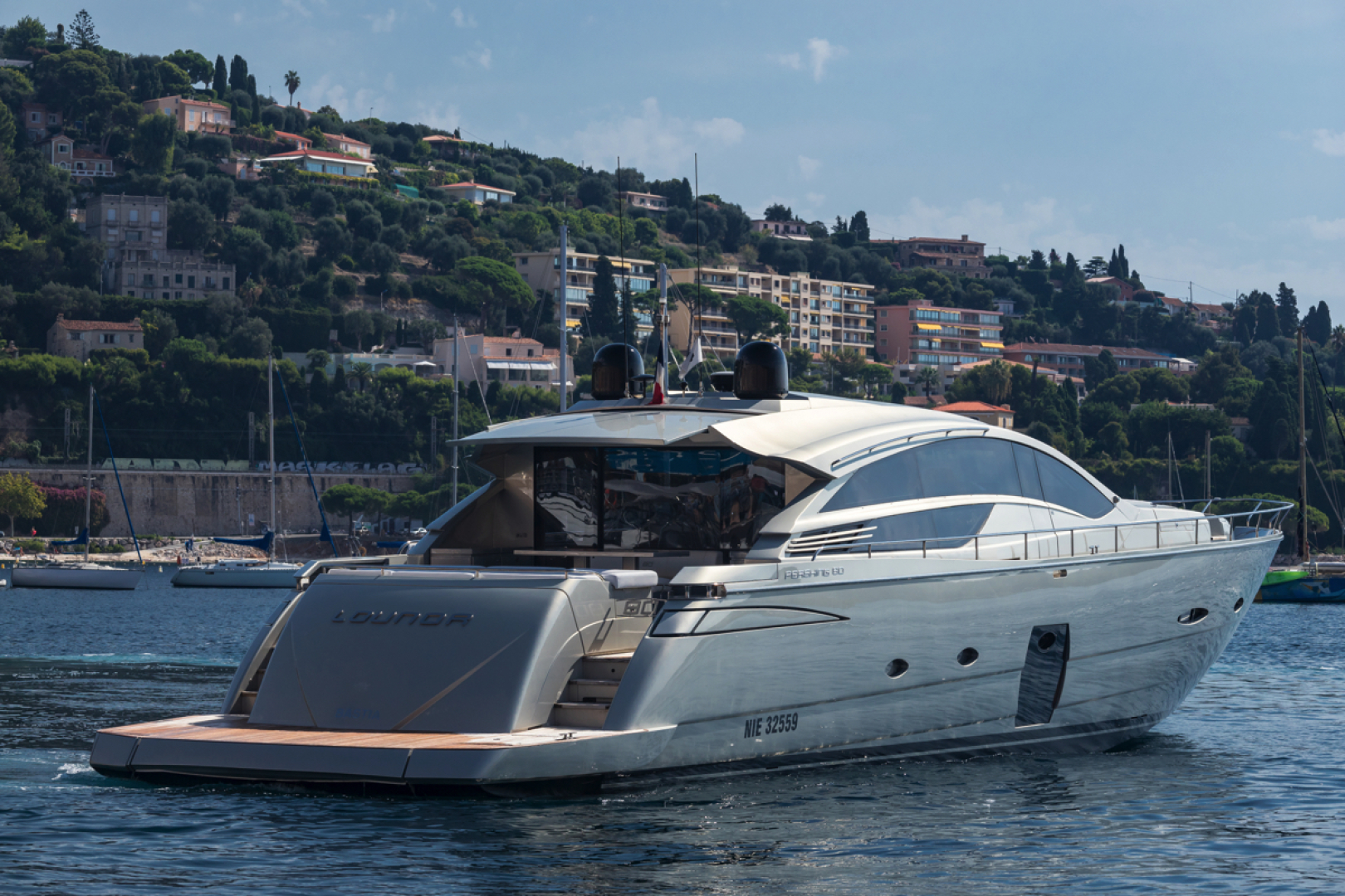 Picture Of: 80' Pershing 80 2010 Yacht For Sale   2 of 29