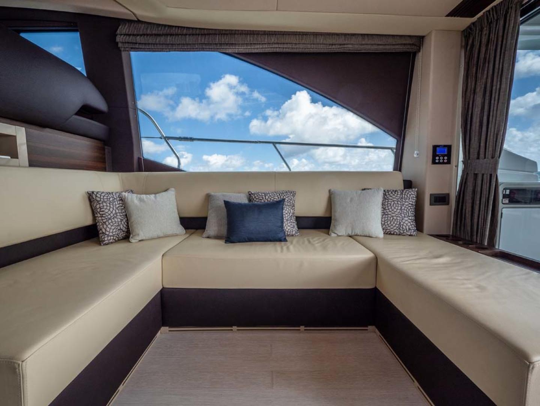 Azimut-50 Flybridge 2016-JET PRIVÉ Fort Lauderdale-Florida-United States-Salon Seating-1116412 | Thumbnail