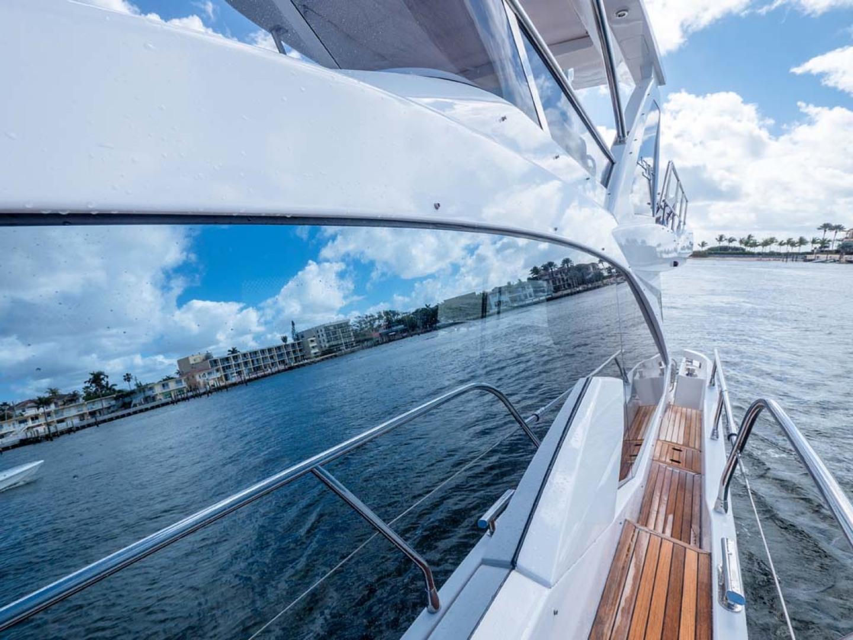 Azimut-50 Flybridge 2016-JET PRIVÉ Fort Lauderdale-Florida-United States-Port Side Deck Looking Aft-1116396 | Thumbnail
