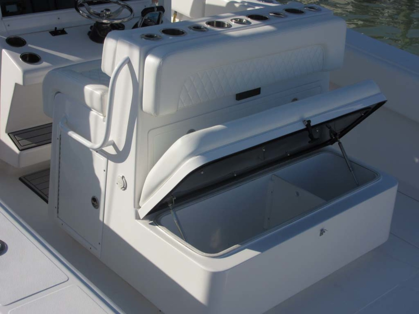 SeaHunter-39 Center Console 2017-SQUEEZE PLAY II Madeira Beach-Florida-United States-Cooler Seat-1117902 | Thumbnail