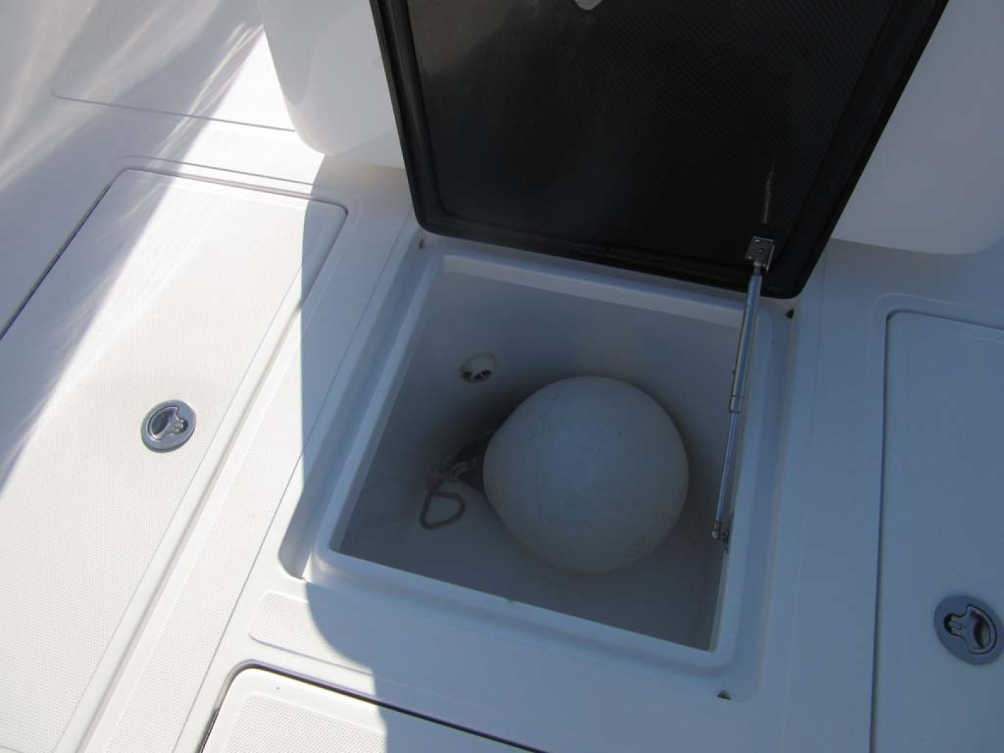 SeaHunter-39 Center Console 2017-SQUEEZE PLAY II Madeira Beach-Florida-United States-In Deck Storage-1117893 | Thumbnail