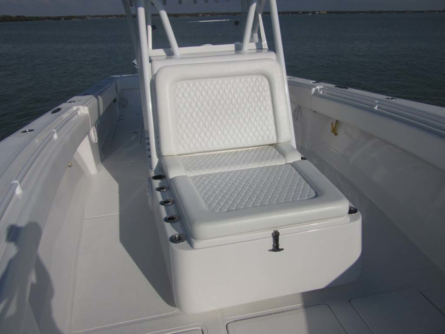SeaHunter-39 Center Console 2017-SQUEEZE PLAY II Madeira Beach-Florida-United States-Fwd Lounge Seat-1117890 | Thumbnail