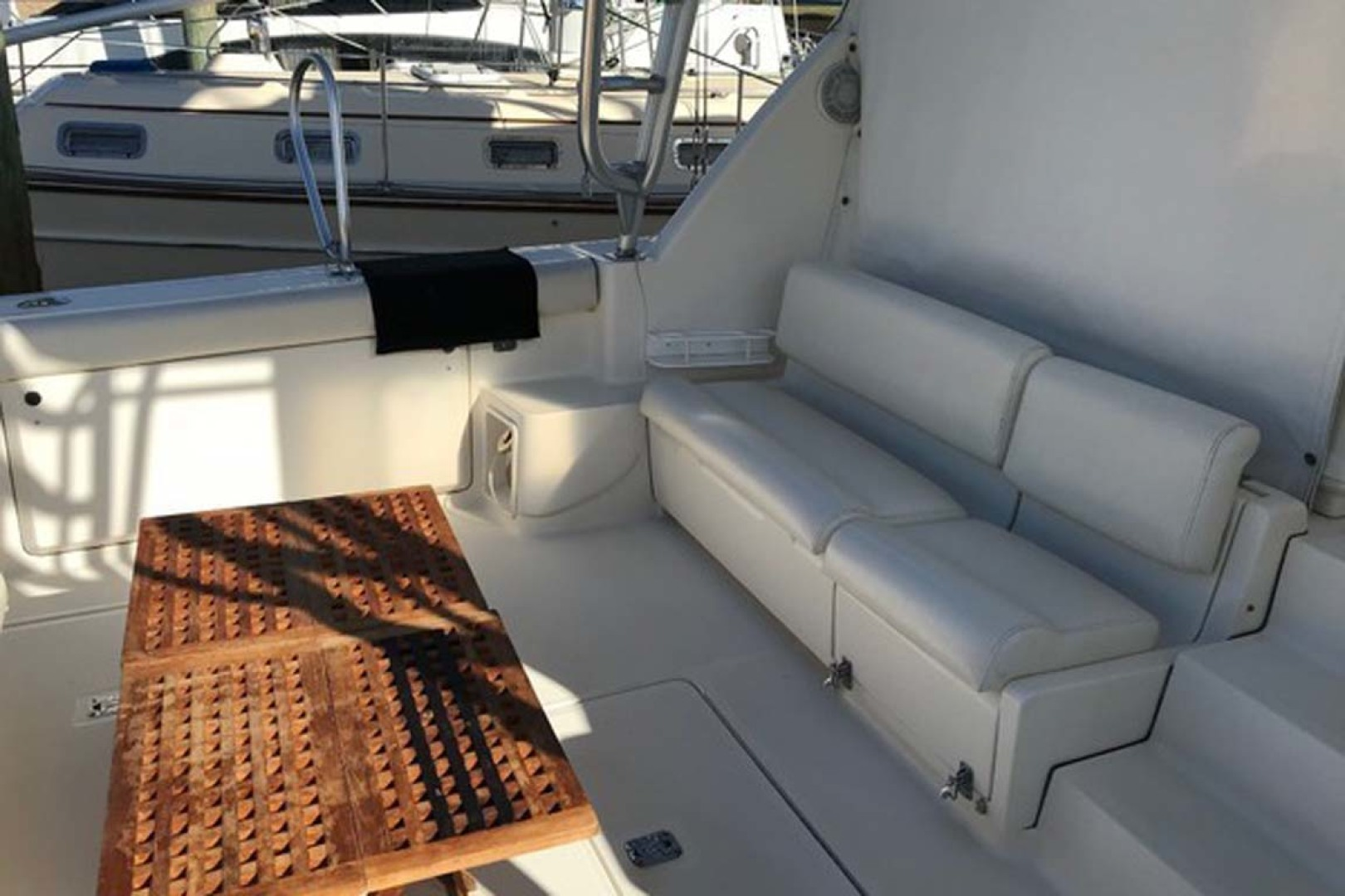 Tiara Yachts-Open 1997-Cadiz Saint Augustine-Florida-United States-Cockpit Seating-1117953 | Thumbnail