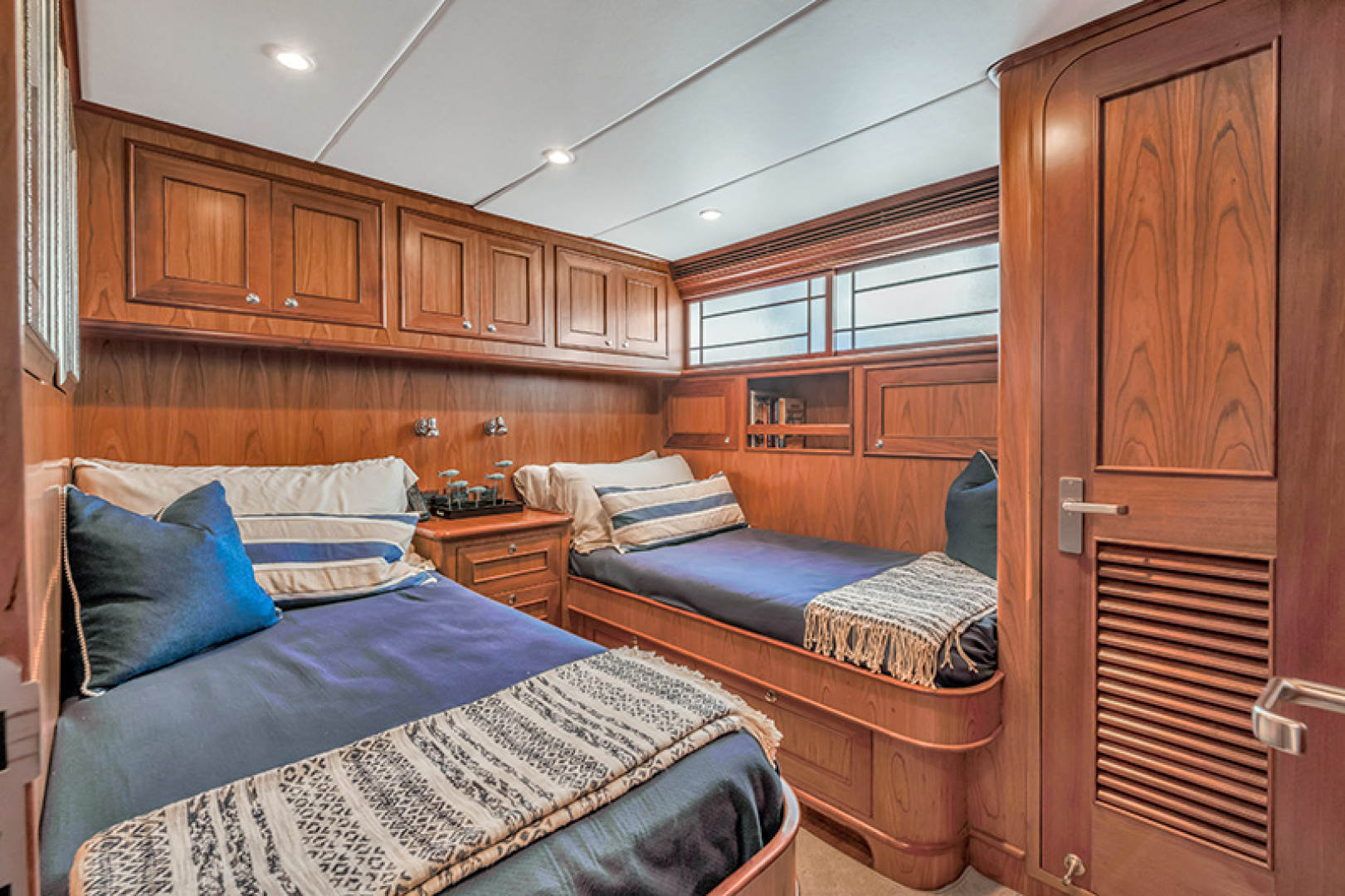 Outer Reef Yachts-Raised Pilothouse 2007-MS. MONICA Palm Beach Gardens-Florida-United States-Twin Stateroom-1119564   Thumbnail