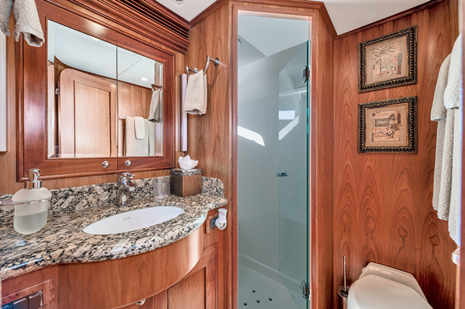 Outer Reef Yachts-Raised Pilothouse 2007-MS. MONICA Palm Beach Gardens-Florida-United States-Guest Bath-1119563   Thumbnail