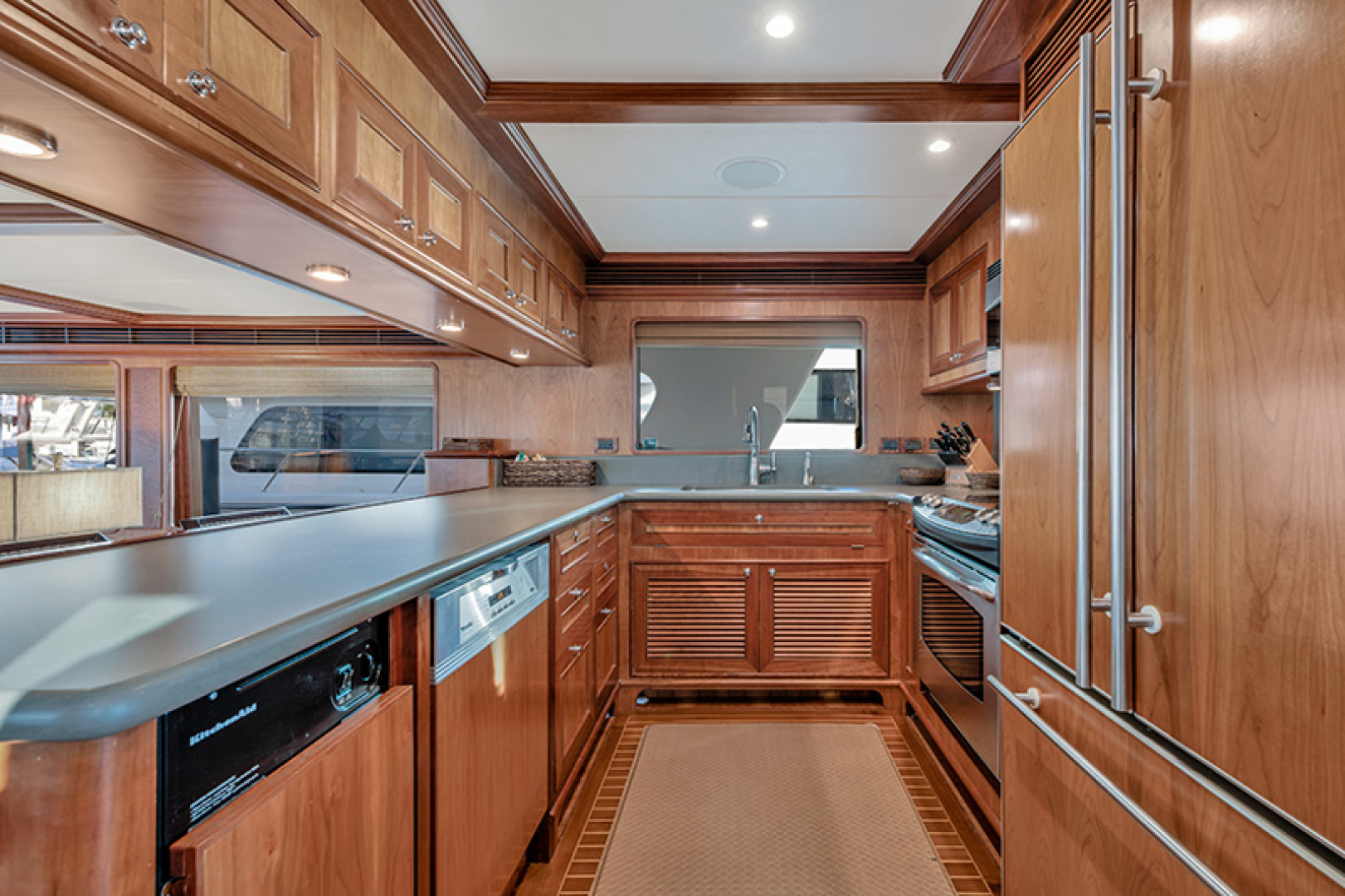 Outer Reef Yachts-Raised Pilothouse 2007-MS. MONICA Palm Beach Gardens-Florida-United States-Galley-1119558   Thumbnail