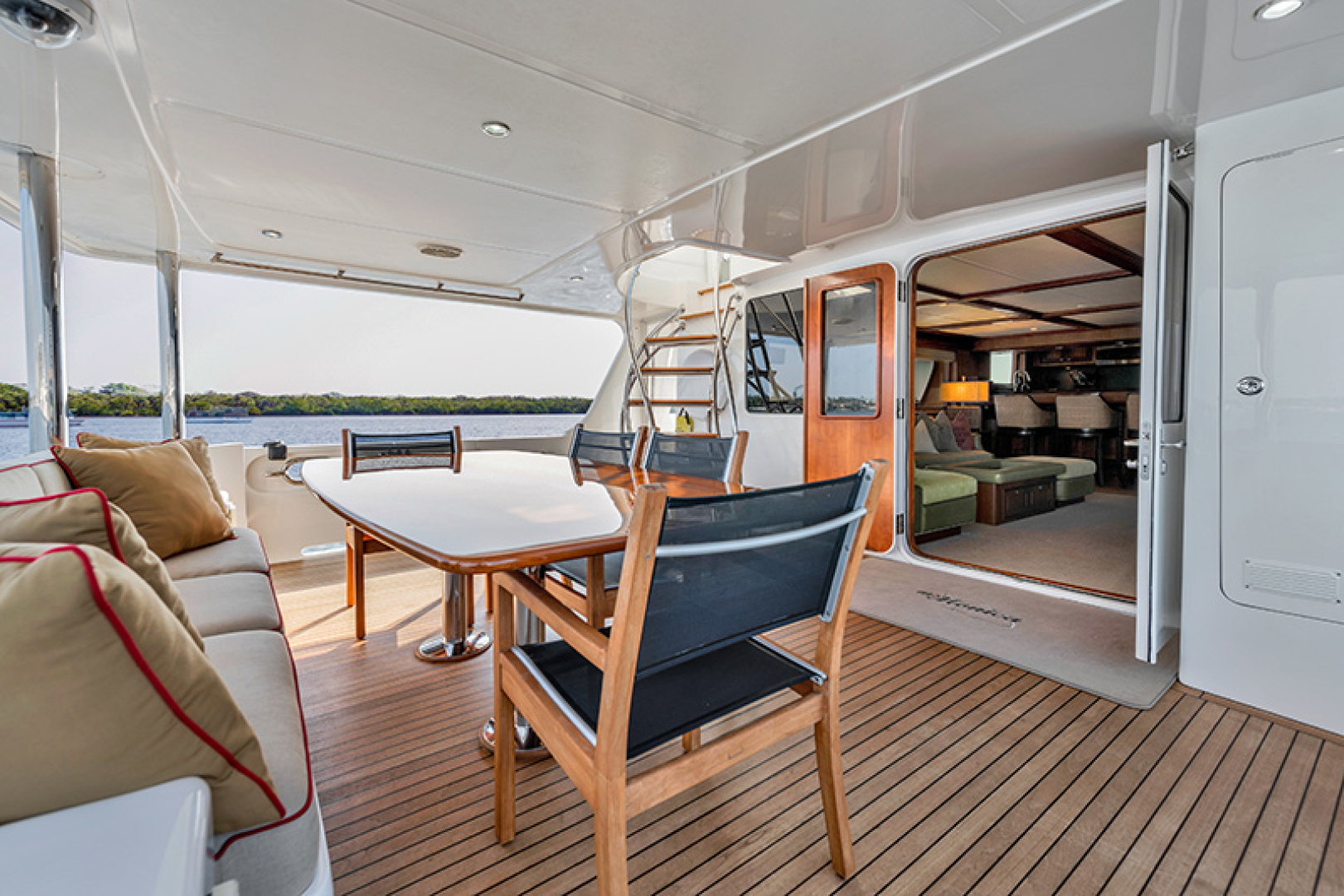 Outer Reef Yachts-Raised Pilothouse 2007-MS. MONICA Palm Beach Gardens-Florida-United States-Aft Deck-1119574   Thumbnail