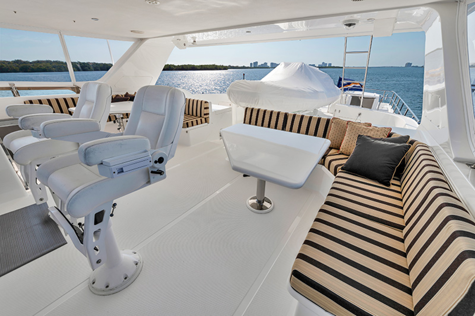 Outer Reef Yachts-Raised Pilothouse 2007-MS. MONICA Palm Beach Gardens-Florida-United States-Flybridge Seating-1119569   Thumbnail