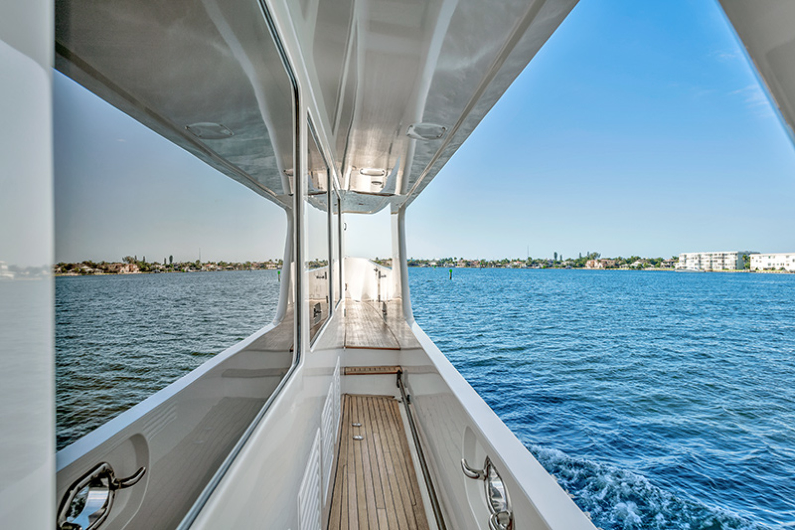 Outer Reef Yachts-Raised Pilothouse 2007-MS. MONICA Palm Beach Gardens-Florida-United States-Side Deck-1119572   Thumbnail