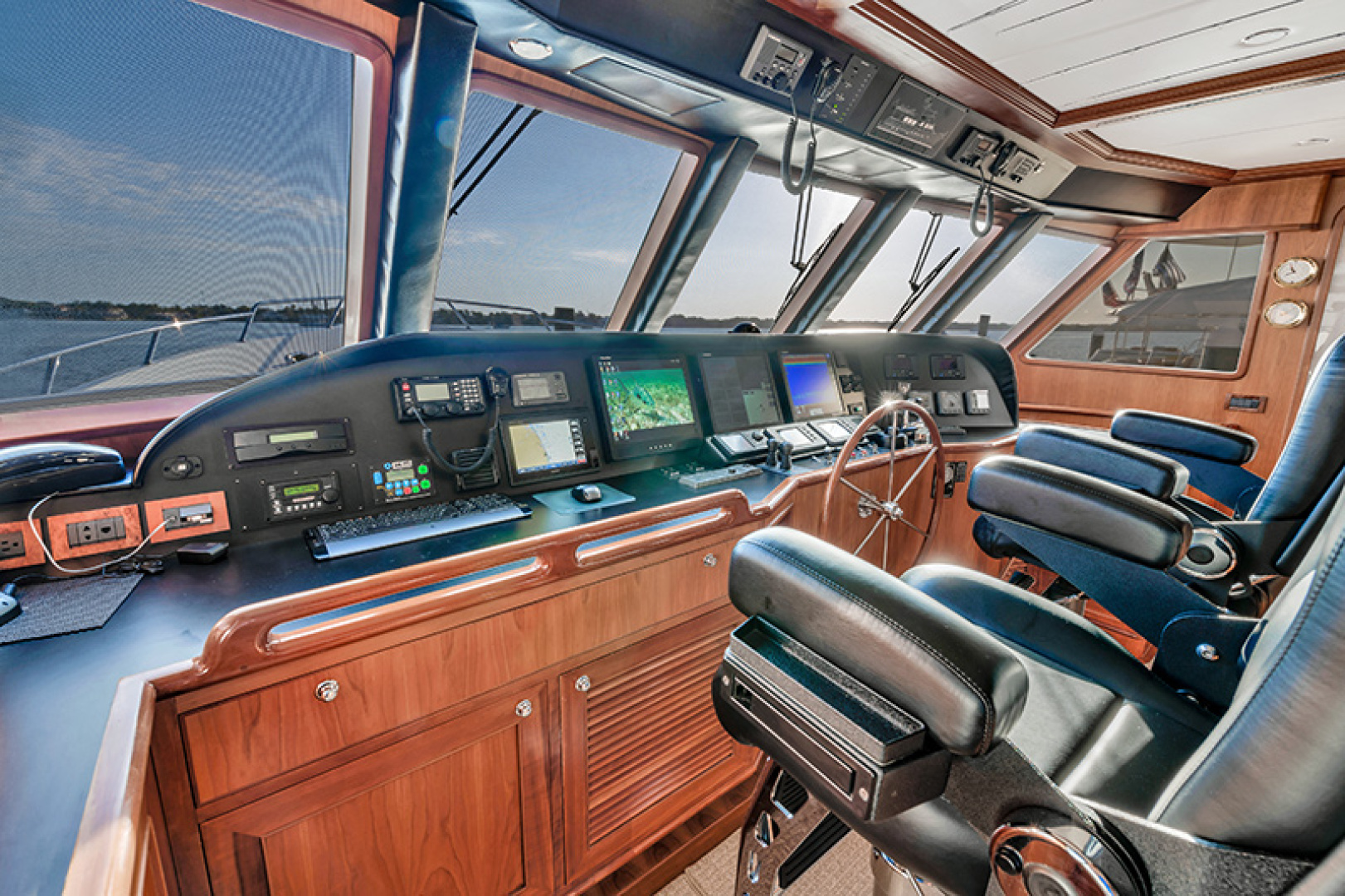 Outer Reef Yachts-Raised Pilothouse 2007-MS. MONICA Palm Beach Gardens-Florida-United States-Helm-1119567   Thumbnail